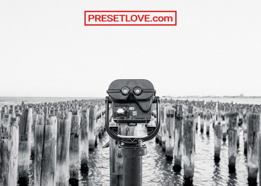 Black and white photo of sightseeing binoculars