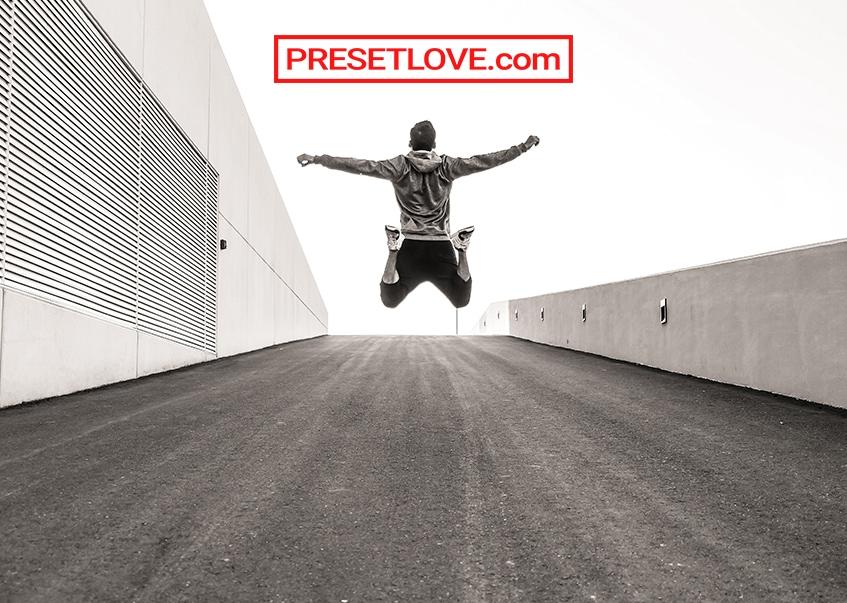 Rich Mono Preset by Presetlove.com